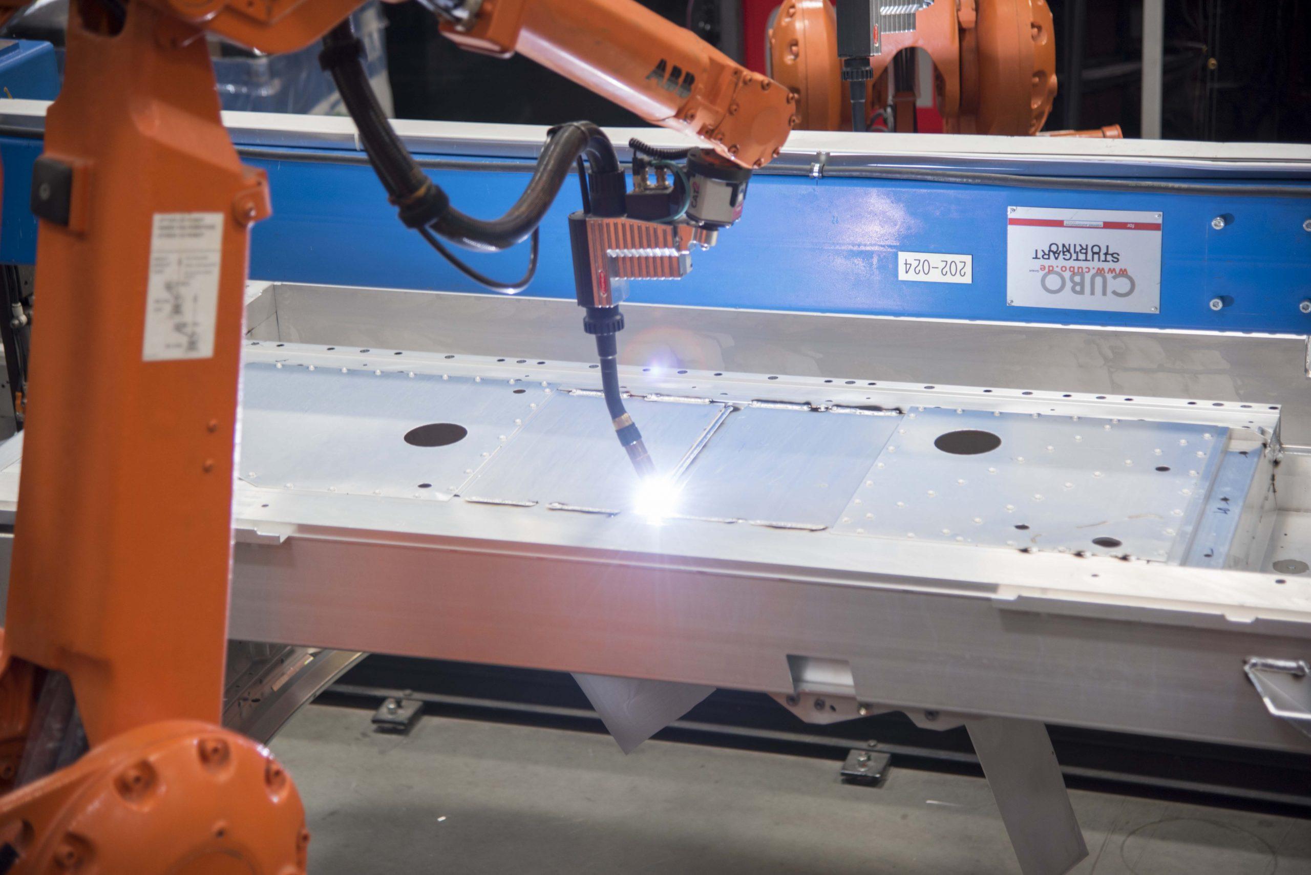 KICC_Welding-robots_2